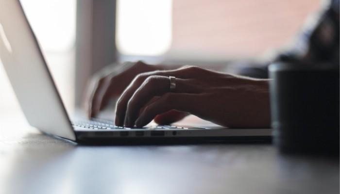 Laptop typing work
