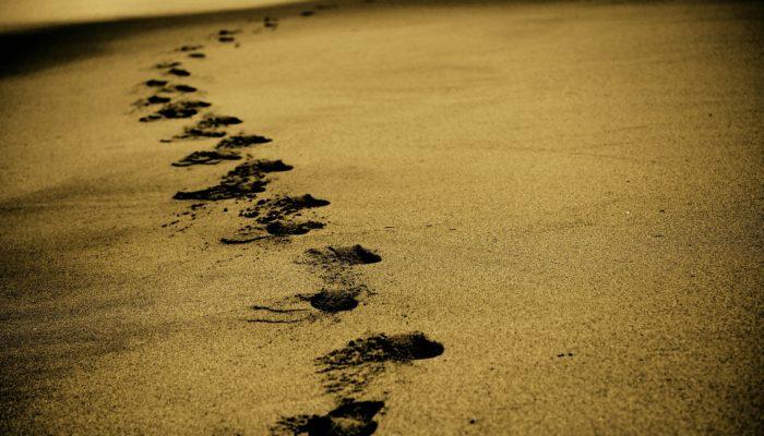 alone footprints