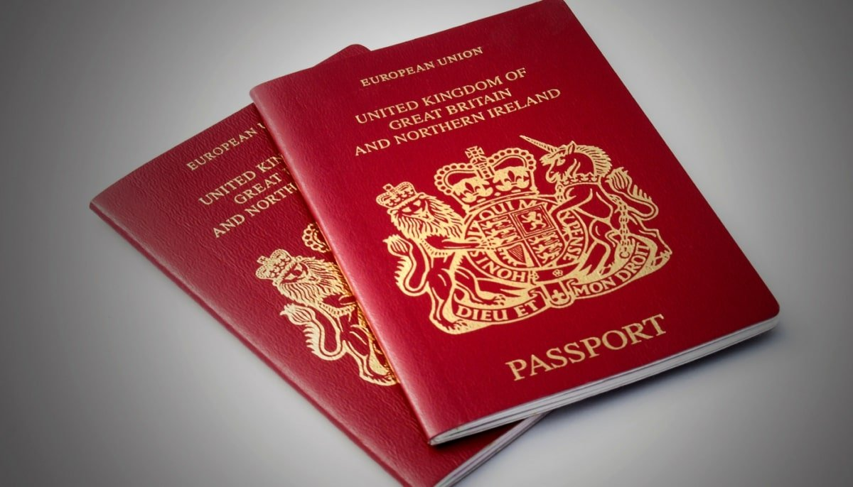 """Can a child stateless by """"choice"""" be registered as a British citizen?"""
