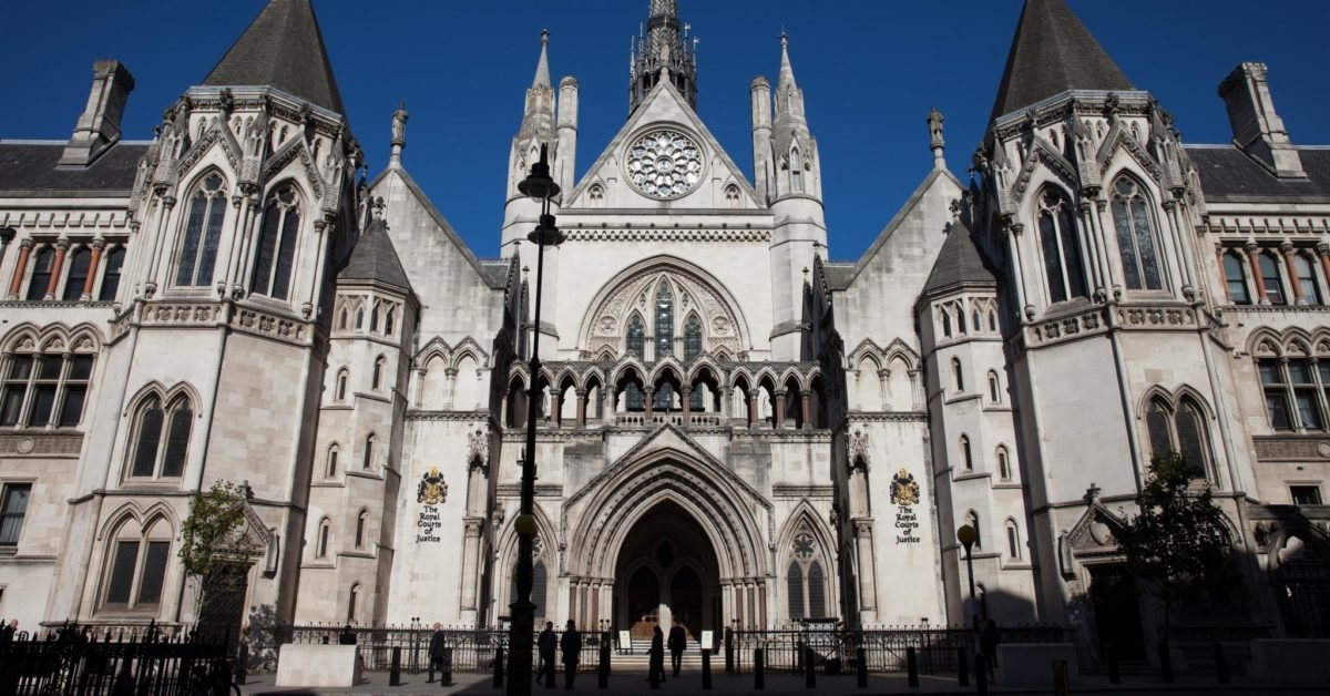 Judge suspends Home Office removal window policy