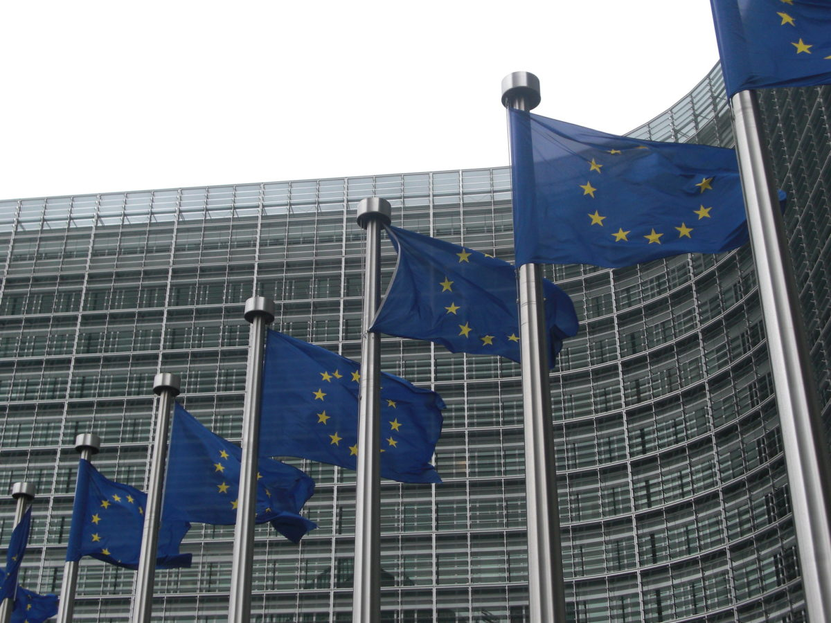 European Commission accuses UK government of violating EU citizens' rights